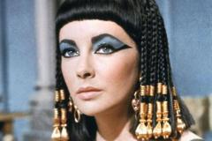 埃及艳后是最后一任法老吗:是的(她死后埃及并入罗马)