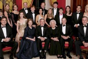 美国四大家族在美国的地位,超脱于世(有钱有权超总统)