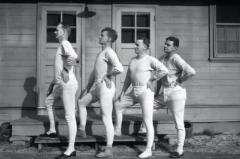 秋裤是谁发明的:弗兰克·斯坦菲尔德(现代商业秋裤之父)