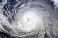 台风风眼有风吗:没有(天气晴朗)