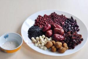 板栗和葡萄可以一起吃吗,可以一起吃(两者相克食物不同)