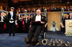 诺奖最年长得主是谁?约翰·古迪纳夫,97岁(锂电池之父)