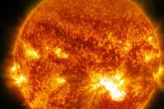 太阳为什么能一直燃烧:热核反应,氢气71%(燃烧40亿)