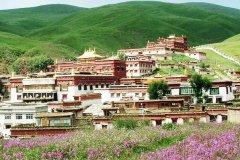 理塘县城海拔多少米?4014多米,藏族风情(名优特产丰富)