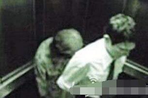 揭秘上海电梯灵异事件真相,白衣女鬼实则PS合成