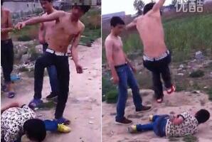 北京奶西村少年暴力事件视频,少年被打昏迷不醒面部被尿