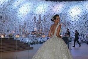 震惊世界的婚礼盘点,花瓣装饰墙壁花费620万人民币