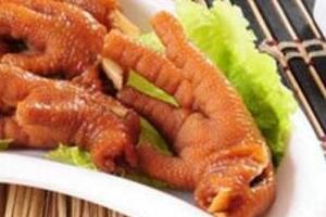 中国十大禁菜之龙须凤爪,砍下百条活鲤鱼的须(残忍无比)