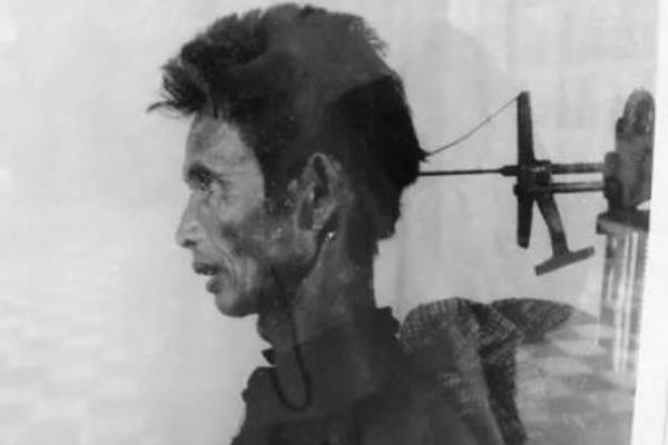 红色高棉吃人脑是真的吗?活体取脑机是什么东西