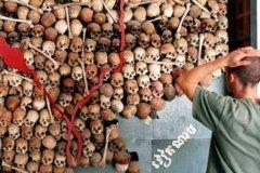 红色高棉大屠杀:左倾政策导致三百万人死亡(骷髅堆成山)