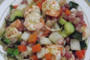 石榴和虾能一起吃吗,不要一起吃(容易导致肠胃消化不良)