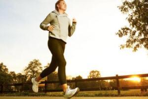早餐前运动还是早餐后运动,早餐前运动减肥/早餐后运动健康
