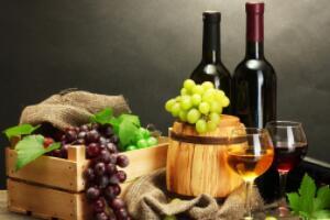 自制葡萄酒能喝吗,能喝但不能多喝(甲醇多有中毒风险)