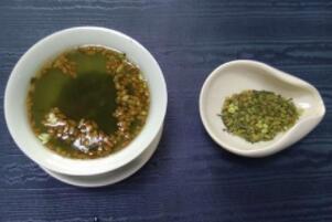 玄米茶的禁忌,孕妇喝了影响胎儿(与凉性食物同食肠胃会不适)