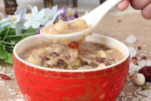 绿豆红豆薏米粥的禁忌,孕妇经期女性禁喝(日常不能多喝)