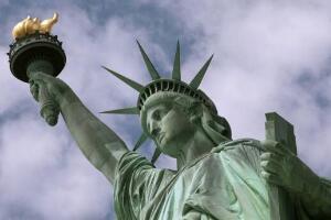自由女神像是哪个国家送给美国的?法国(送于1876年)