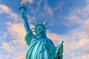 自由女神本人是谁 自由女神像的象征意义(美法友谊)