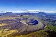 火山有哪些类型?死活山,活火山,休眠火山(无清晰界线)