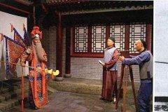中国的第一部电影:定军山,1905年上映(与国粹京剧结合)