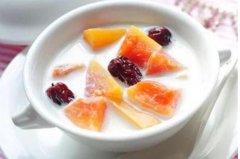木瓜牛奶榨汁凝固变苦:酪蛋白分解成胜肽分子使味道变苦