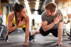饭后健身注意事项:饭后间隔一段时间,避免做激烈运动
