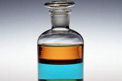 细口瓶的用途:保存液体试剂,方便液体倒出来(不可加热)