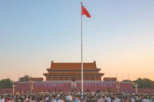 中国旗杆的高度是怎么选择的 要达到醒目和美观的效果