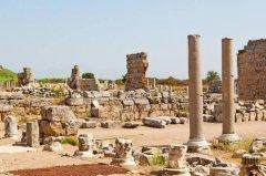 世界上最古老的石块建筑 距今三千多年前的先民已经用石块造屋了