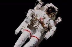 世界上最贵的衣服 宇航服(一件造价达3000万而且有价无市)