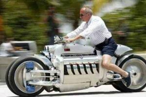 世界上最快的摩托车,道奇战斧(最高秒速187.7米)