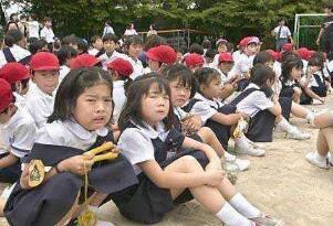 日本校园杀人魔王宅间守,杀死8人刺伤15人(被判处绞刑)