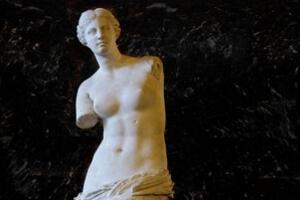希腊女神维纳斯断臂之谜,战争中雕塑无意被砍断双臂