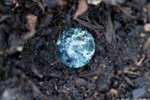 神秘果冻球之谜,天上下蓝色透明球(威力如子弹/科学无解)
