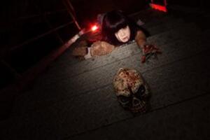禁曲奶奶背着洋娃娃,比妹妹背着洋娃娃更恐怖/歌词故事