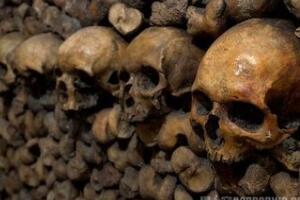 揭秘法国巴黎的地下墓室,埋葬700万人的骷髅墓(视频/图)