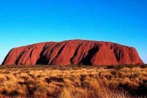 澳洲神石之谜,巨石不同季节变换不同的颜色(科学无解)