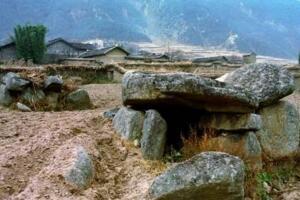 在凉山州大石墓发掘两万具遗骸,历史上神秘消失的邛都人