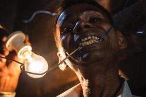 印度不吃饭的奇人,8年未进食任何食物(靠阳光维持生命)