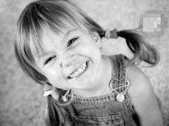 4岁女童海蒂·汉金斯,智商高达159(即将秒杀霍金)