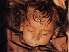 意大利女尸罗萨莉娅·隆巴多,100年不腐烂(如同睡美人)