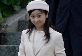 美丽的日本佳子公主,着装暴露的皇室第一美女(图片)