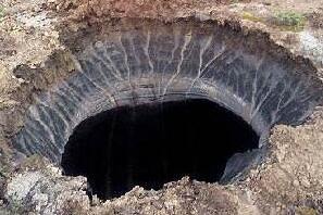 俄罗斯西伯利亚天坑,能装下飞机的巨型末日天坑(图片)